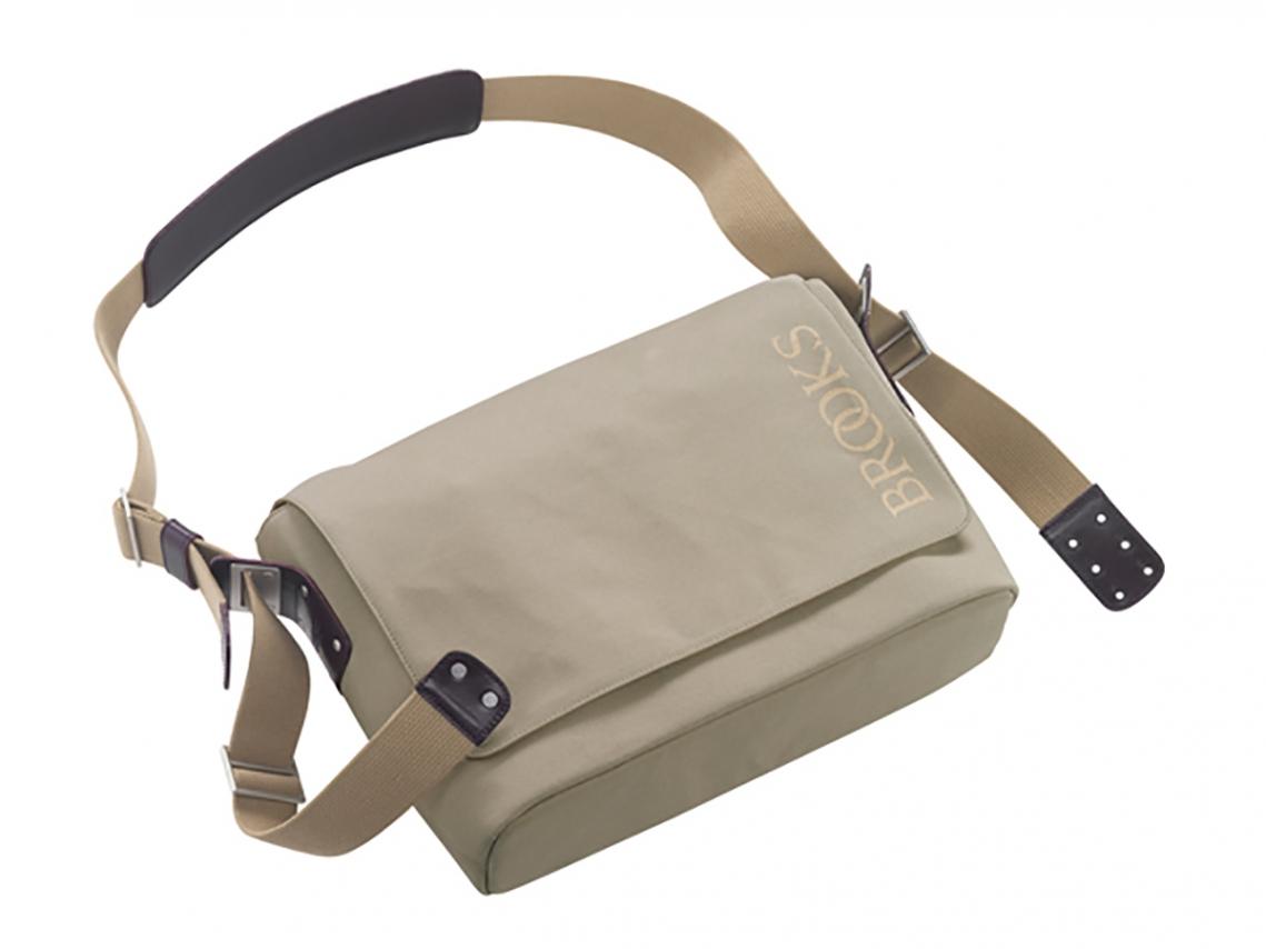 Brooks Barbican Canvas Messenger Bag Zand